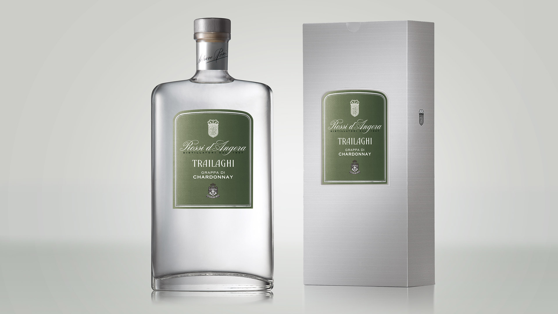 Rossi d'Angera Trailaghi bottle design